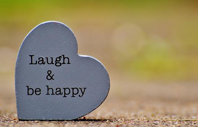 laugh-1391101_640